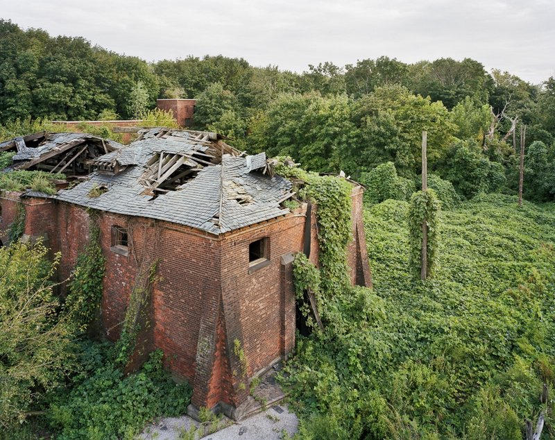 Coalhouse da Morgue Tetto, North Brother Island, New York