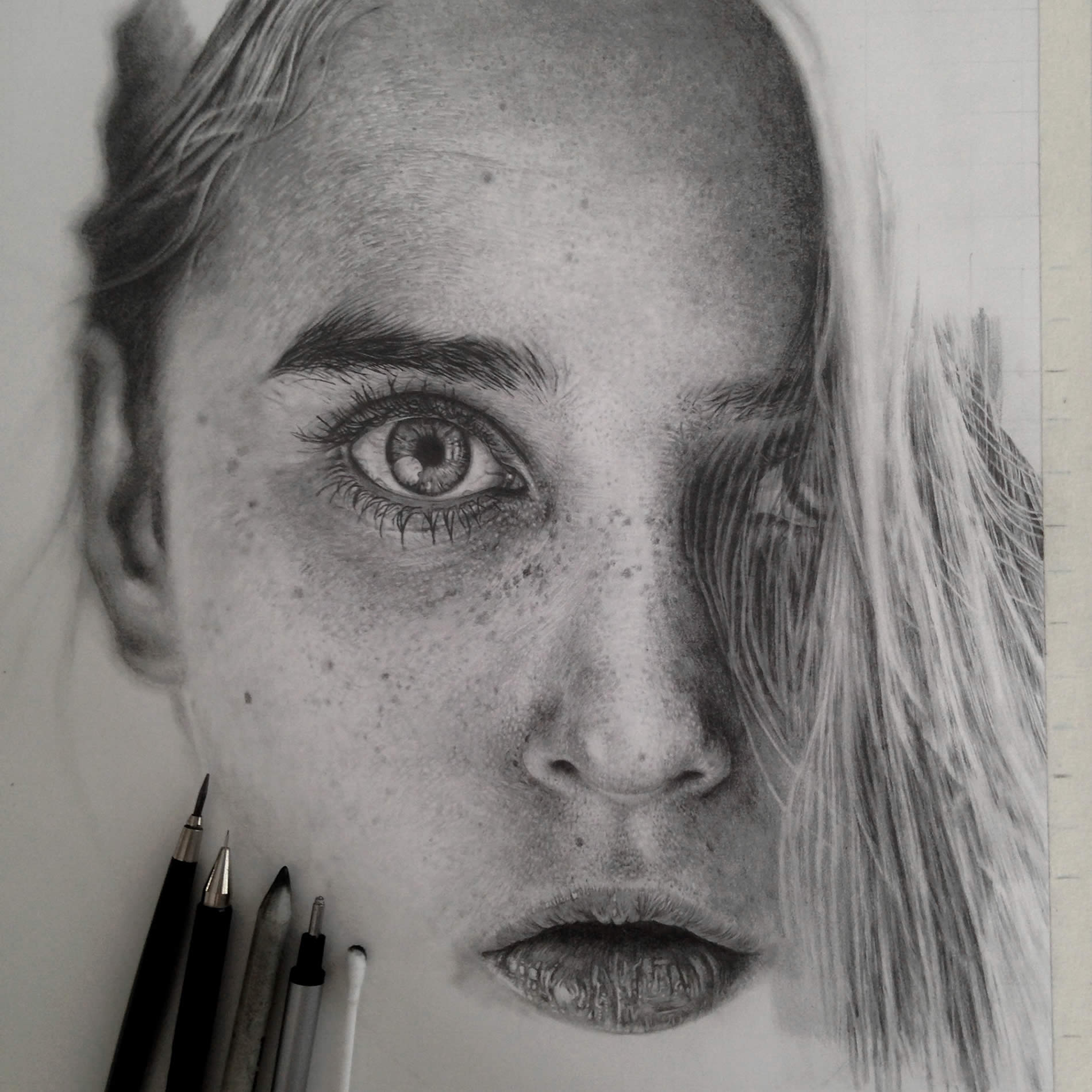 Realistic graphite drawings // Moss and Fog