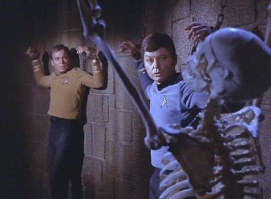 Star Trek - Catspaw - Kirk and Bones
