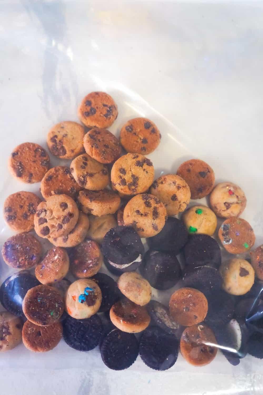 mini cookies in a ziploc bag