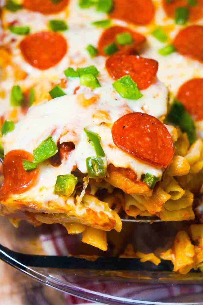 Pizza Roll Pasta Casserole is a kid friendly dinner recipe that adults will love too.