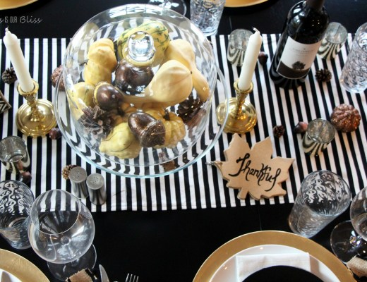 DIY gold thankful book for thanksgiving table
