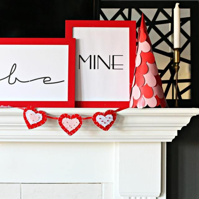 Happy day of love bemine valentinesdecor manteldecor diydecor bhgcelebrate Continuehellip