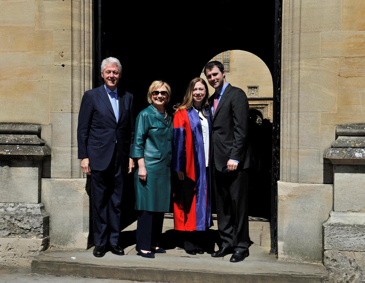thisisoxfordshire: Bill and Hillary Clinton in Oxford for their daughter's graduation