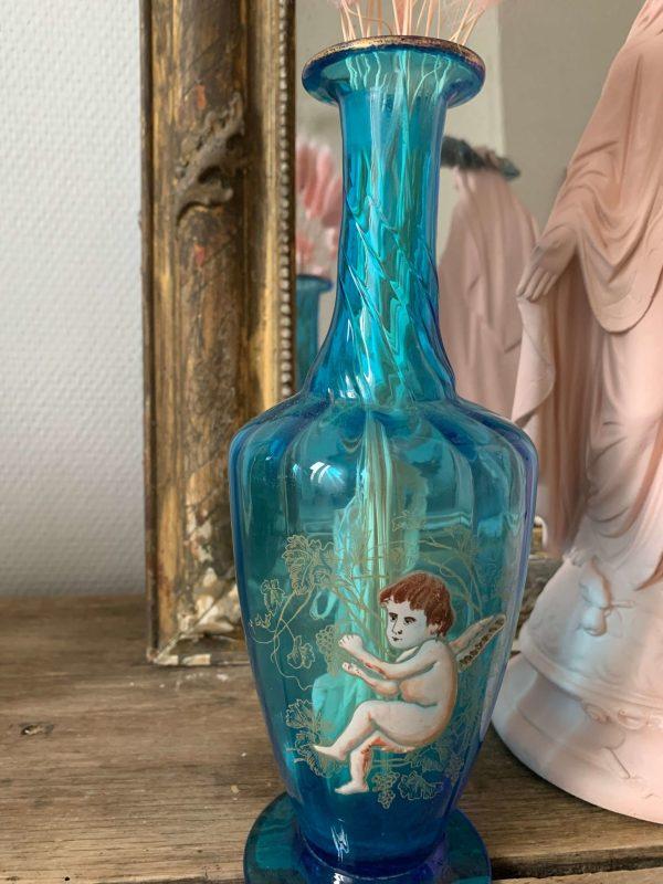 Ancien soliflore angelot verre bleu