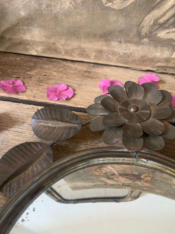 ancienne applique en laiton décor fleurs miroir convexe