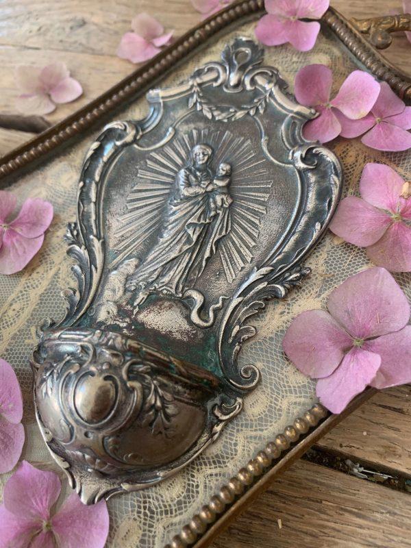 ancien bénitier en métal argenté vierge à l'enfant 19ème