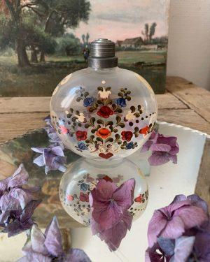 ancien flacon en verre peint à la main