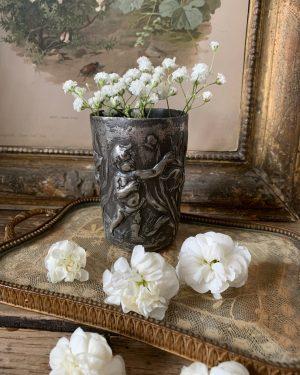 ancienne timbale décor de chérubins 19ème en étain