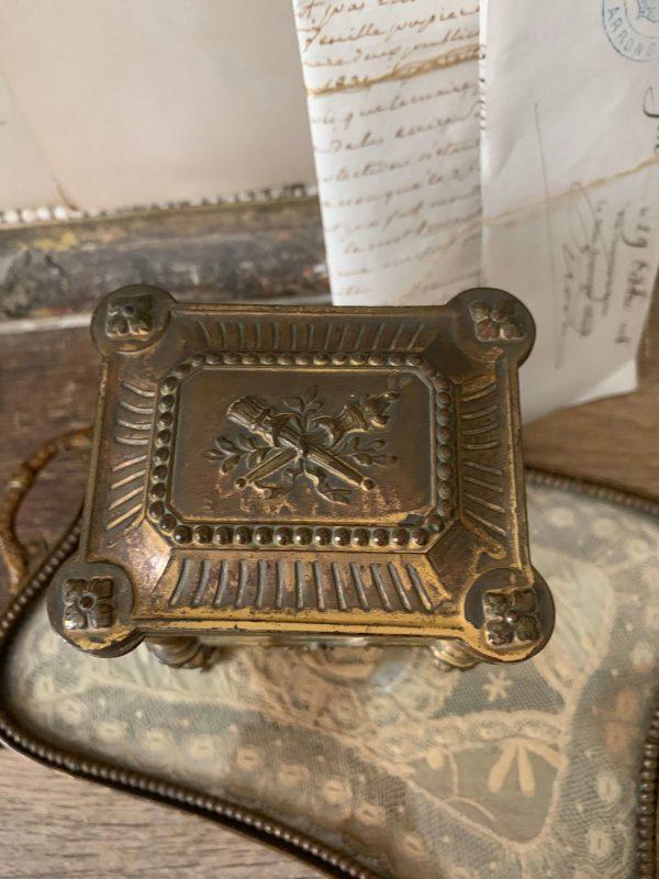 ancienne boite à bijoux vers 1900 en régule