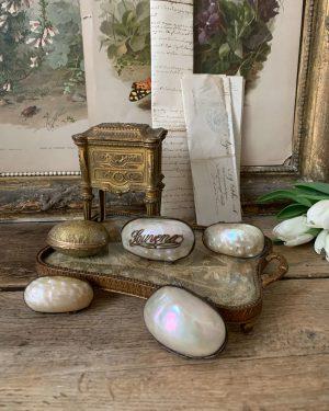 lot ancien porte chapelet nacre et laiton bote a bijoux 1900