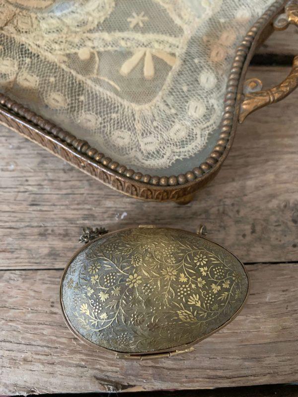 ancien oeuf boite chapelet en laiton