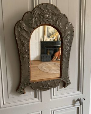 ancien miroir art nouveau en étain repoussé xixeme