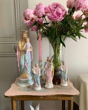 ancienne statue en biscuit vierge à l'enfant colorée biscuit pastel 1900