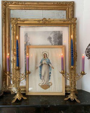 anciens chandeliers d'église anciens en laiton