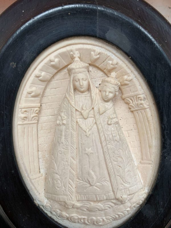 ancien bénitier platre reliquaire vierge a lenfant xixeme
