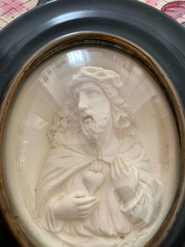 ancien cadre reliquiare jesus platre pétrifié xixeme