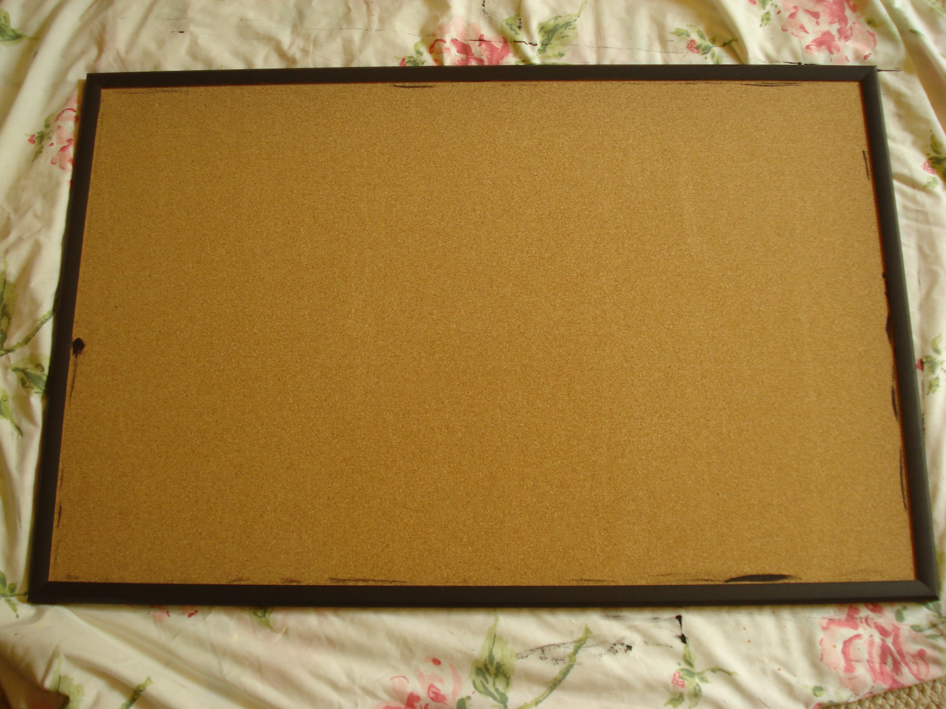 Crafty idea create your own fabric covered bulletin board for Design your own cork board