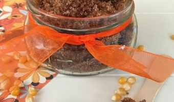 DIY Pumpkin Spice Sugar Scrub #Pumpkin #Fall #DIY