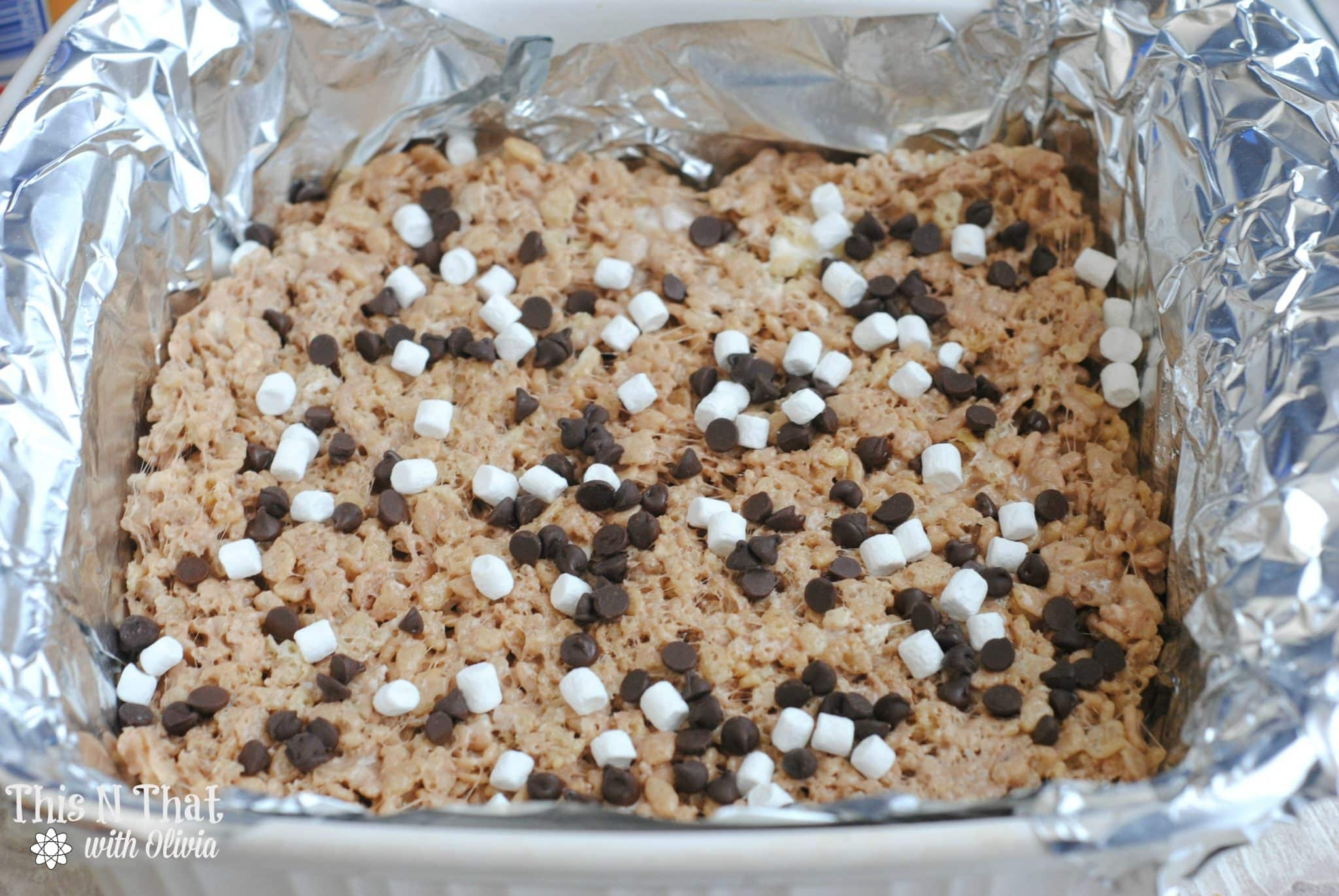 Hot Cocoa Rice Krispie Treats | ThisNThatwithOlivia.com