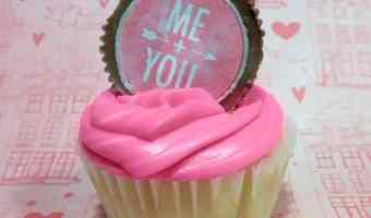 Valentine's Day Cupcakes with Sweetheart Peanut Butter Cup Toppers #12DaysOf