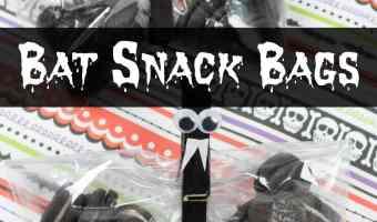 Bat Snack Bags for Halloween Treats!