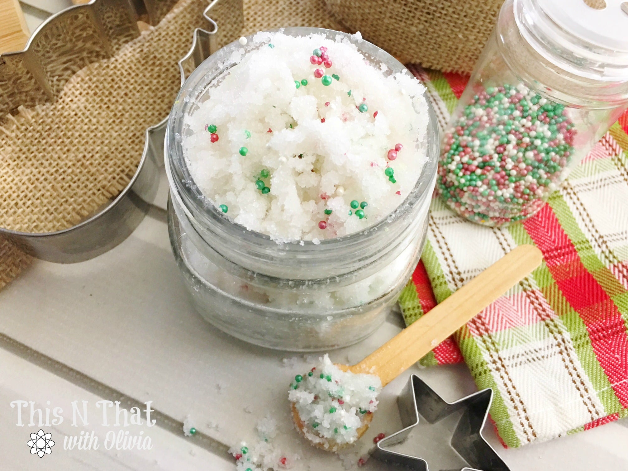 Christmas Cookie Sugar Scrub #DIY #Christmas