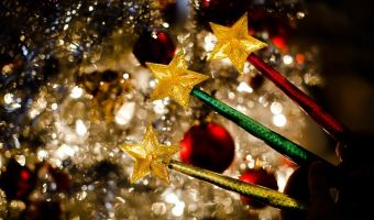 Win a 3 Pack of Magic Light Wands (5 Winners) #2017Holiday