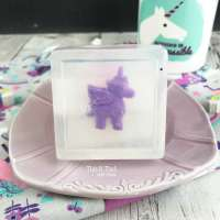 DIY Unicorn Soap #Unicorn #DIY #Soap