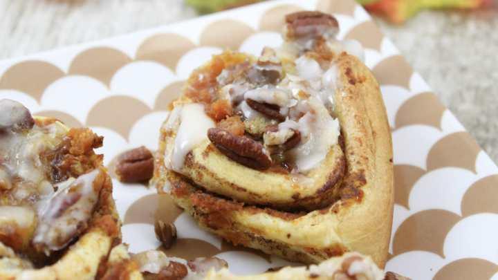 Easy Pumpkin Pecan Cinnamon Rolls!