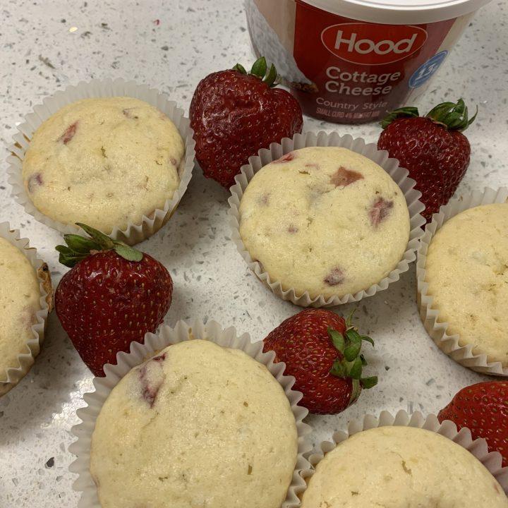 Easy Strawberry Muffins