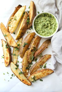 Potato Wedges with Pesto Hummus | VEGAN + GF| ThisSavoryVegan.com