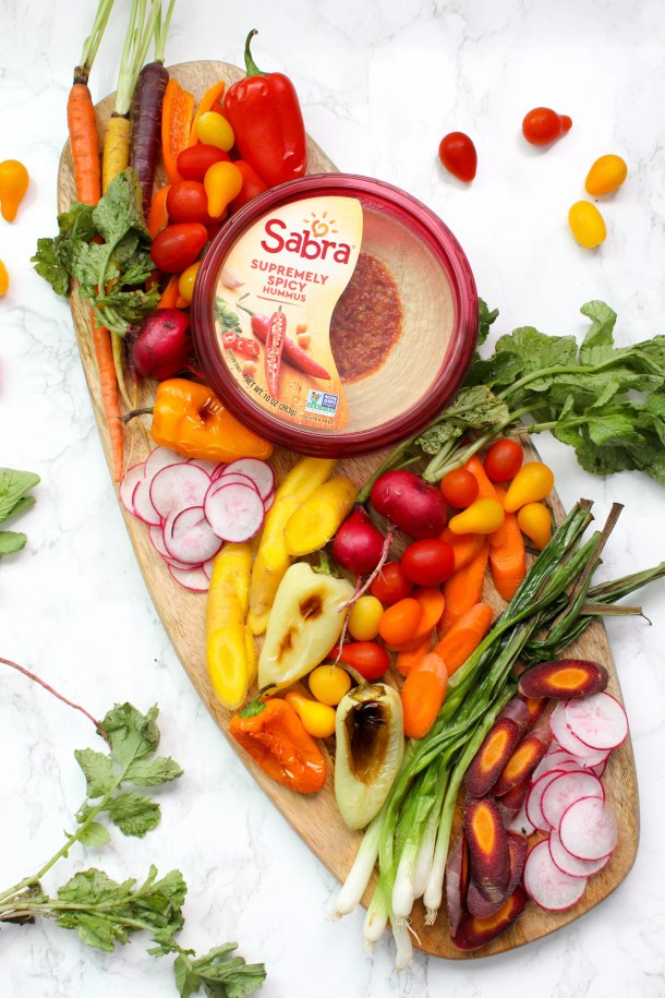 How to build a veggie hummus board - it is easier than you think when you have in season veggies and pre-made hummus at hand | ThisSavoryVegan.com #thissavoryvegan #hummusveggieboard #veganappetizer