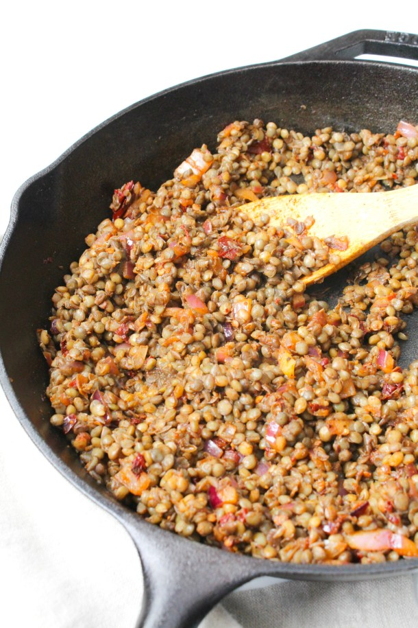 This Chipotle Lentil Taco Meat is zesty, vegan and delicious - perfect protein-packed addition to tacos, burritos and bowls | ThisSavoryVegan.com #thissavoryvegan #vegan #vegantacos