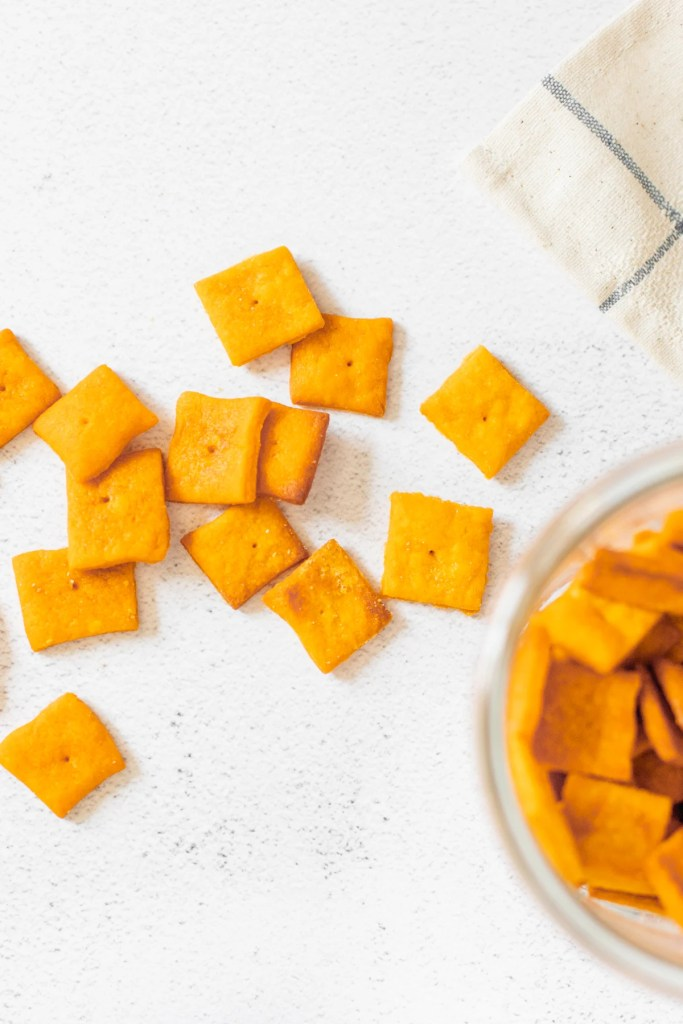 This Vegan Cheez-Its Recipe is a fun snack you can make at home. With just a few simple ingredients, you will have crispy, cheesy vegan crackers ready to eat | ThisSavoryVegan.com #thissavoryvegan #cheezitrecipe #vegancrackers