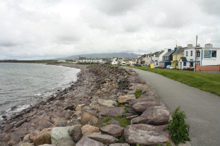 irish seaside town