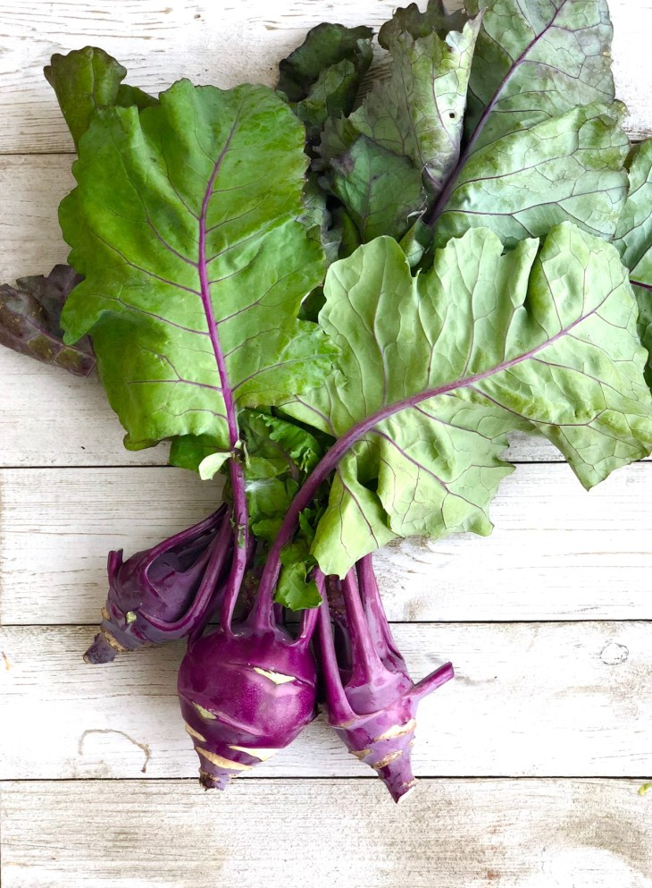 picture of a purple kohlrabi bunch