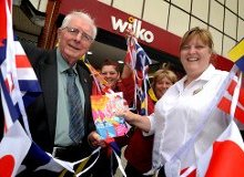 Cllr Alan Kerr pictured with Wilko store manager Wendy and colleagues Donna Jewitt and Michelle Watson getting into the spirt of the South Tyneside Summer Parade.