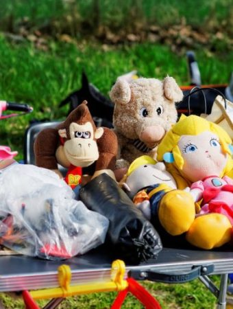 Cash In On Your Clutter – 12 Types Of Clutter You Can Sell