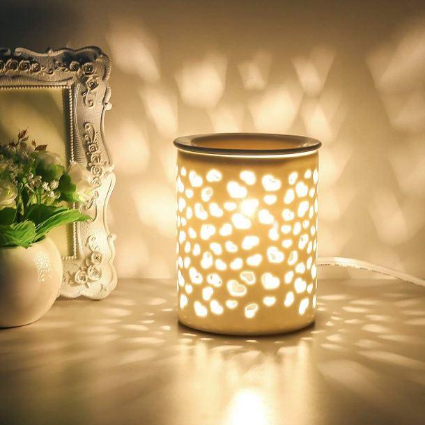 10 Ways To Make Your House Smell Like Christmas
