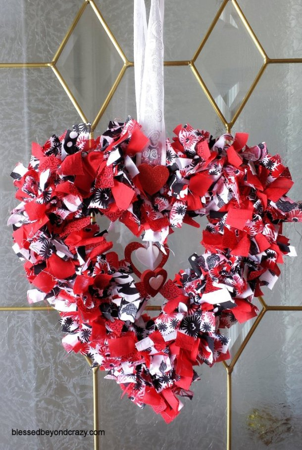 20 Sweet and Simple DIY Valentines Day Decorations