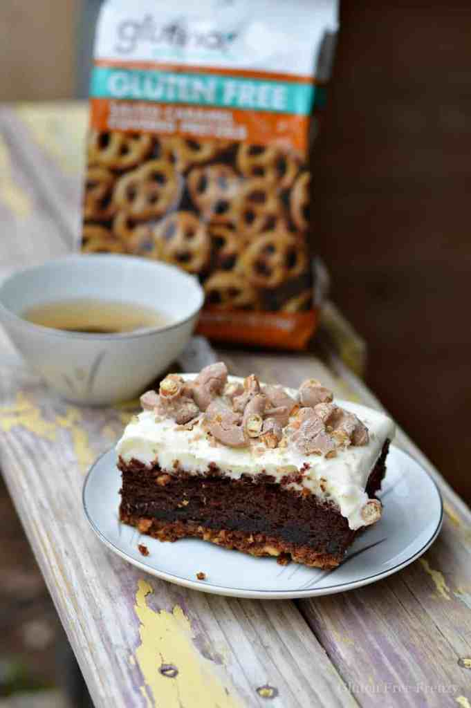 This salted caramel chocolate lasagna is gluten-free and an oh-so-decadent dessert the whole family will love! It is surprisingly easy to make and is full of rich chocolate. | gluten free desserts | gluten free chocolate desserts | gluten free sweets || This Vivacious Life #glutenfreedessert #glutenfreesweet