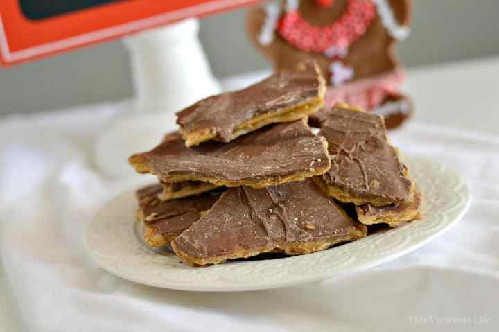 Gluten-Free Christmas Crack for Your Holiday Gatherings   gluten-free holiday treats   gluten-free christmas sweets   gluten-free desserts   gluten-free christmas crack recipe   easy christmas crack recipe   gluten-free christmas recipes    This Vivacious Life #glutenfreechristmas #glutenfreetreats #christmascrackrecipe