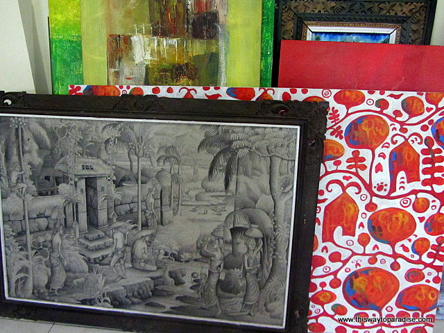 Abstract and traditional Balinese painting in how to paint class, ubud, bali