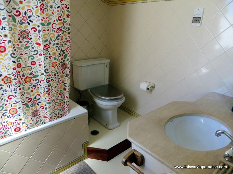 Valmor Lisbon bathroom
