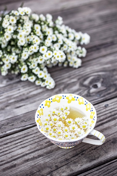 chamomile tea with flowers