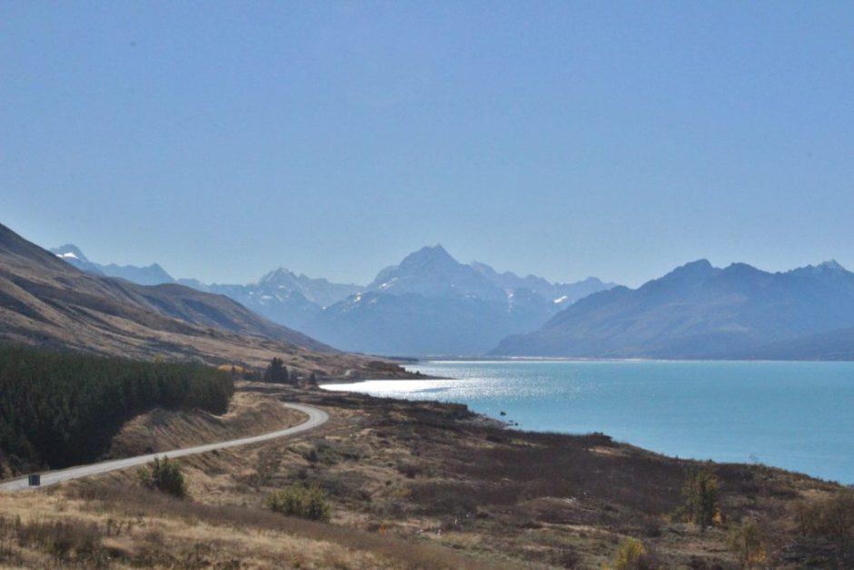 Driving along Lake Pukaki on the way to Aoraki, New Zealand
