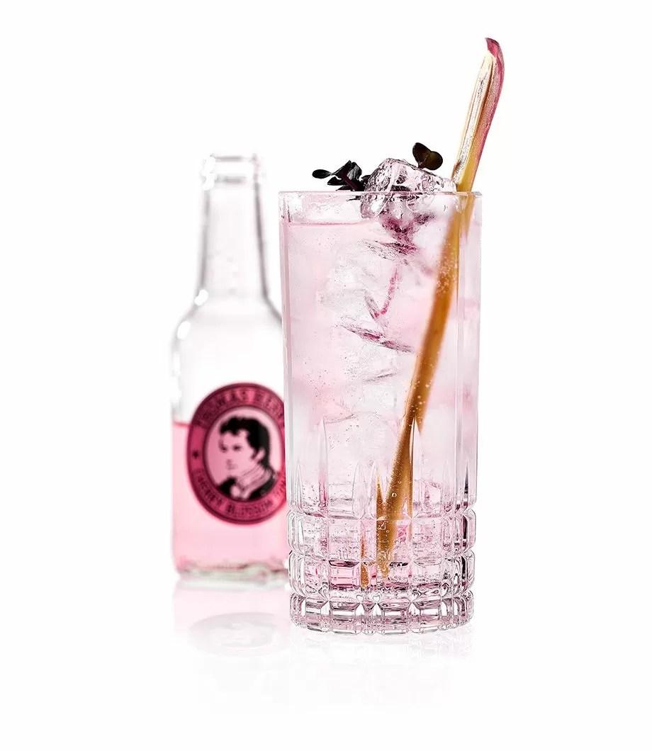 Sakura Highball Mit Thomas Henry Cherry Blossom Tonic