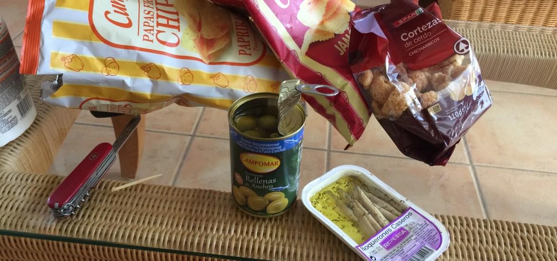 Spanische Snacks Boquerones Chicharricos