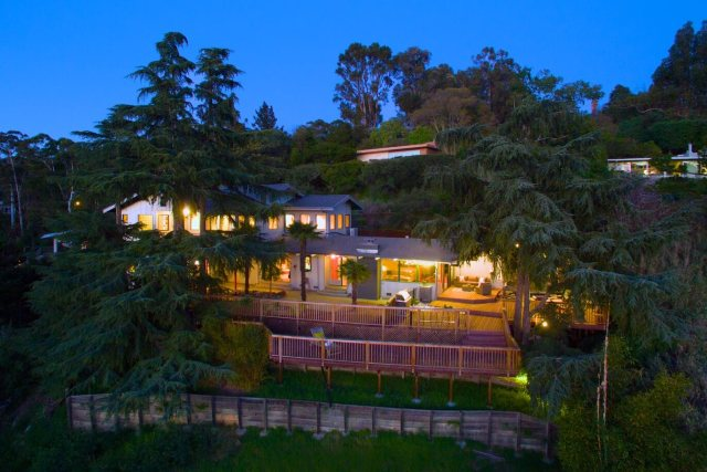 home for sale in Dominican neighborhood of San Rafael